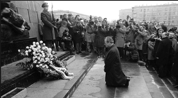 Zmíněné datování počátku konfliktu Ruska se Západem také naznačuje, že ti, kdo.