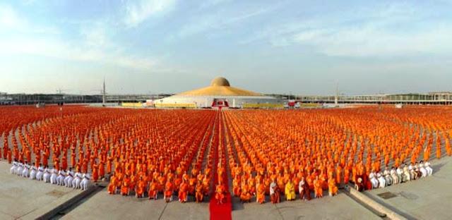 one million monks meditating for world peace
