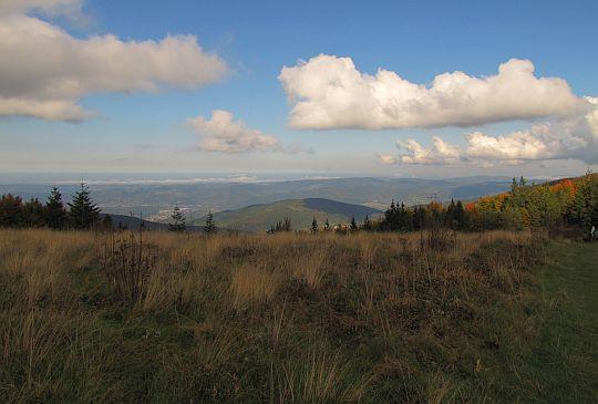 Widok na północ z Przełęczy Kucałowej.
