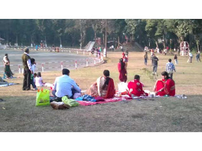 essay on visit to a park in Hindi