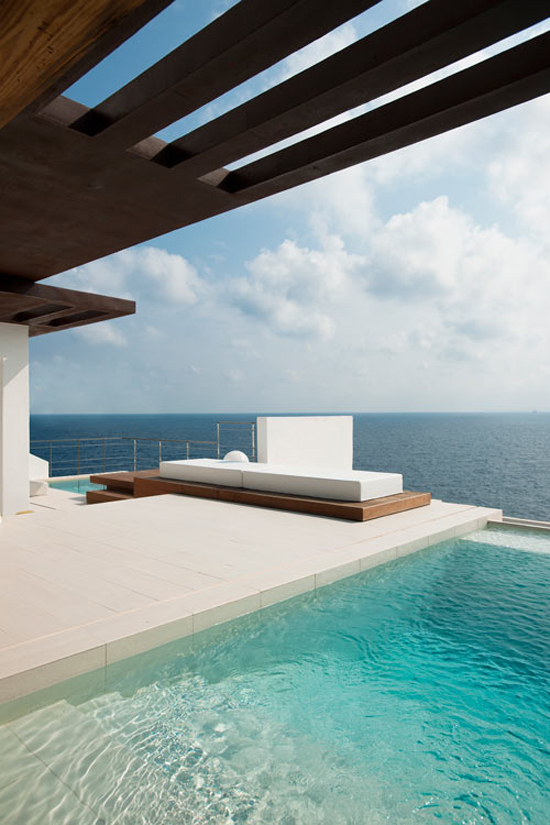 House in Ibiza by Juma Architects with amazing sea views via @designmilk #Ibiza #architeture #view #pool