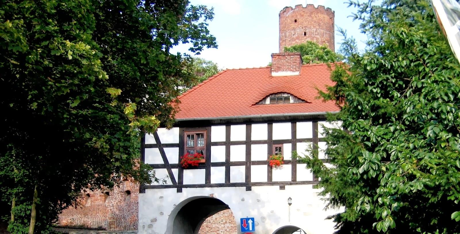 Brama  Marchijska  - Łagów