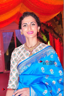 Actress Model Shilpa Reddy Exclusive Stills in Blue Saree at Vijay Karan Aashna Wedding  0008.JPG