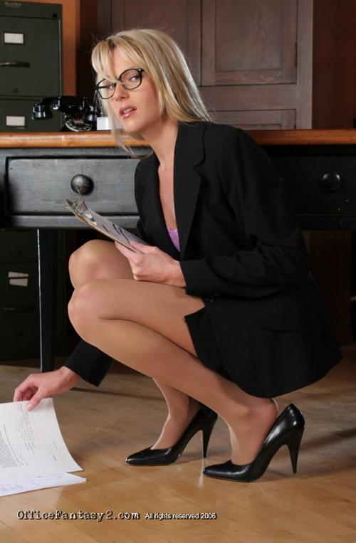 На работе в анал секретаршу транс