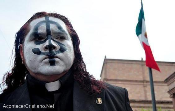 Sacerdote católico Adolfo-Huerta