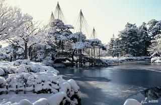 Unique Japan Tours Kanazawa Kenrokuen Garden Winter Yuki Tsuri