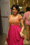 Deeksha panth new gorgeous stills-thumbnail-7