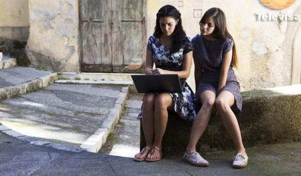 Livia Brito y Ela Velden en la telenovela Muchacha italiana viene a casarse | Ximinia