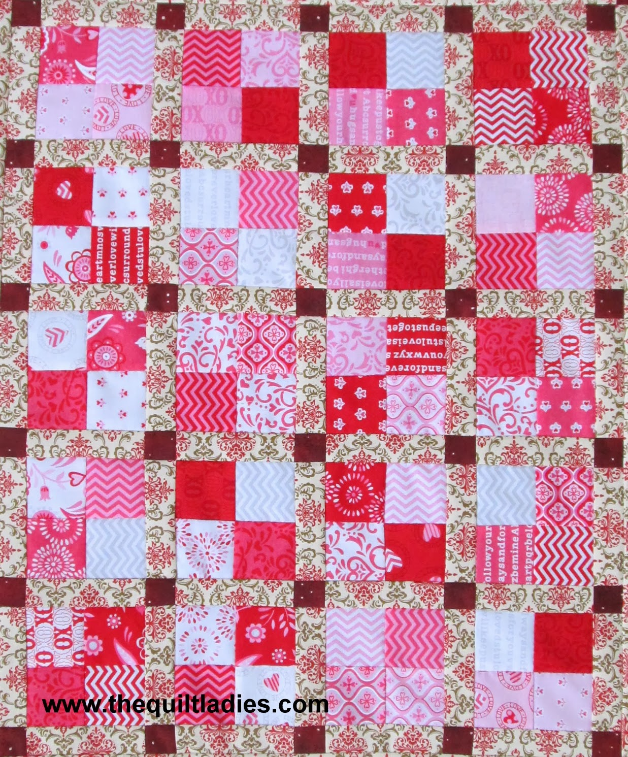 Four-patch quilt block free pattern for a table topper
