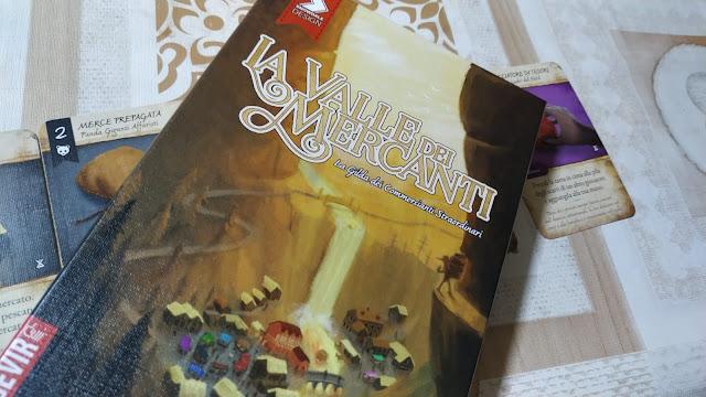 """""""La Valle dei Mercanti"""", tra il deckbuilder e il gioco di carte tradizionale"""