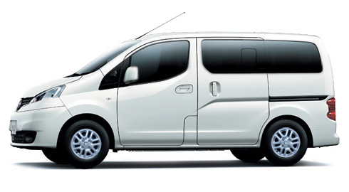 Warna Nissan Evalia, White Solid, Spesifikasi