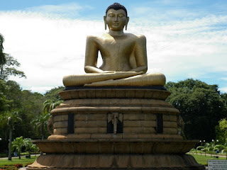 Buddha_statues_around_the-World_religious_pictures.jpg