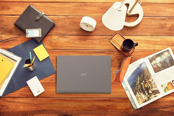 LG gram 15Z90N-V-AA78B: portátil de 1 kg, con procesador Core i7, disco SSD y Windows 10 Home