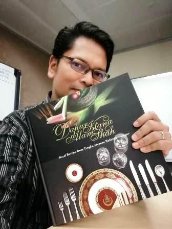 Buku Dapur Istana Alam Shah Resipi Diraja Oleh Tengku Ampuan Rahimah Selangor