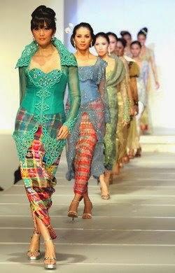 Model baju pesta batik muslim wanita pria sederhana casual modern