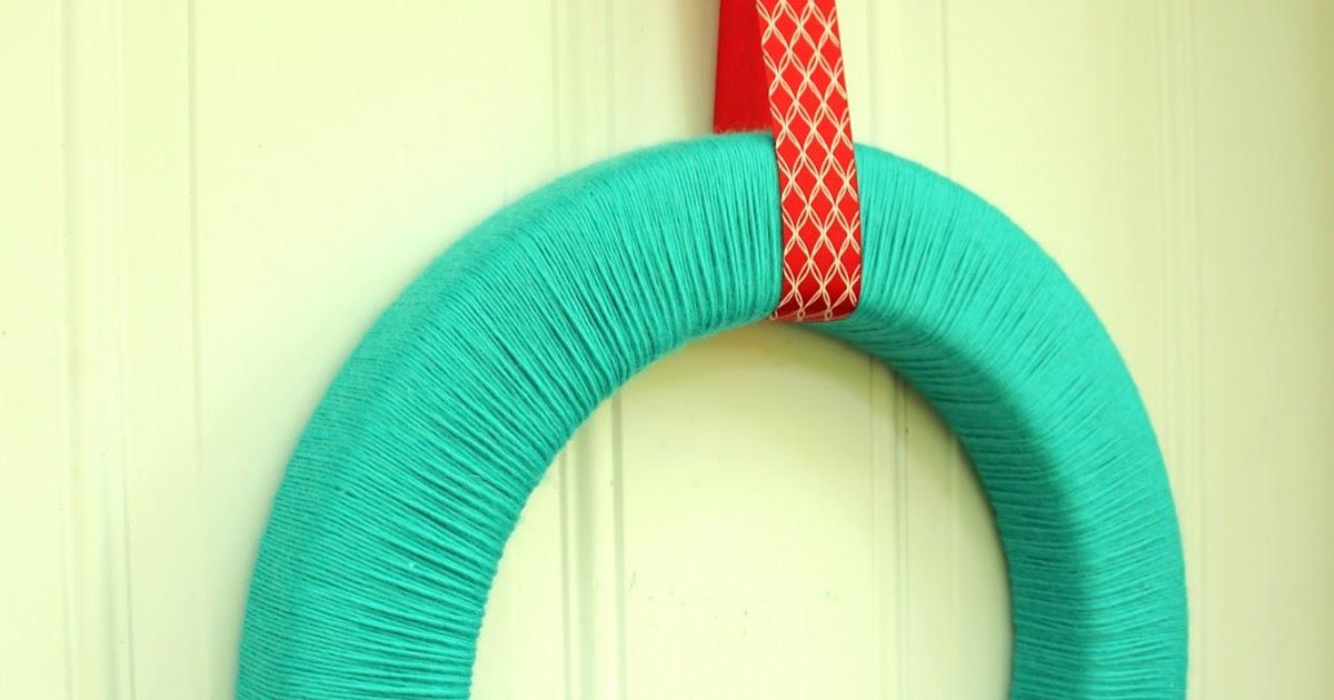 The Handcrafted Life Summery Felt Poppy Yarn Wreath