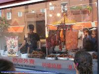 Escaparate de una tienda de comestibles en China Town