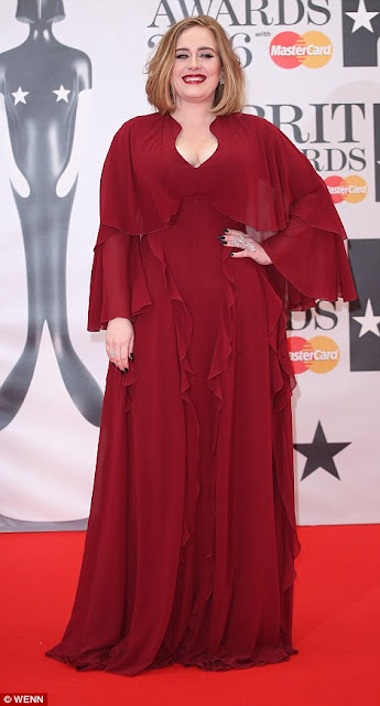 Photo Adele Brit Awards Red Carpet 2016