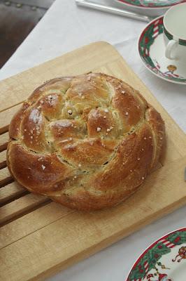 Challah mit Feigen, Olivenöl und Meersalz