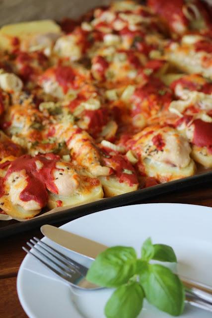 Ziemniaki zapiekane z piersią z kurczaka i mozzarellą