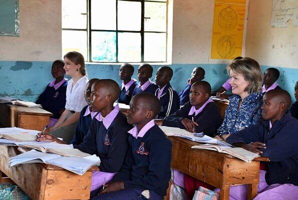 Queen Mathilde and Crown Princess Elisabeth met with Kenyan visual artist Cynthia Nyongesa and Maasai community