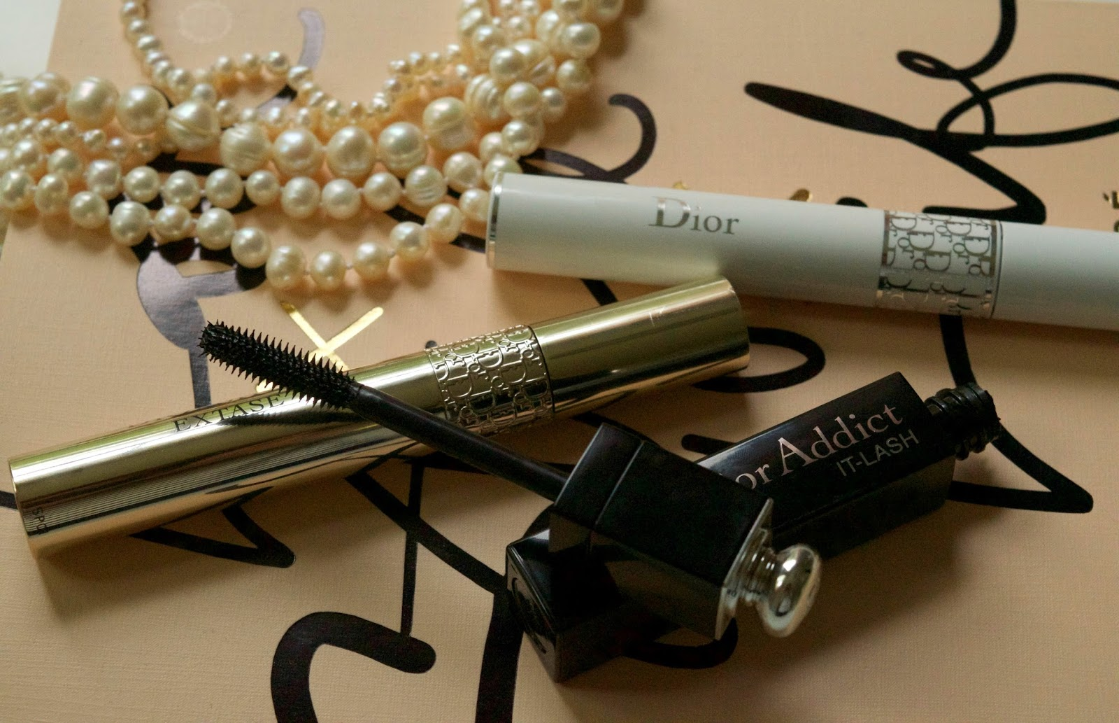 dior mascara review - dior addict it-lash review - dior plumping primer review - dior mascaras worth the splurge