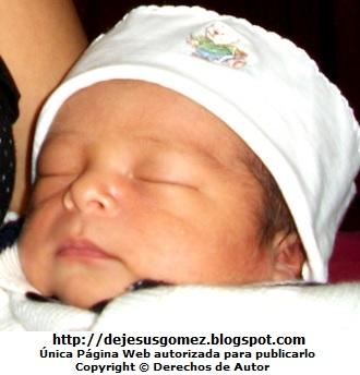 Foto de un bebé días de nacido por Jesus Gómez