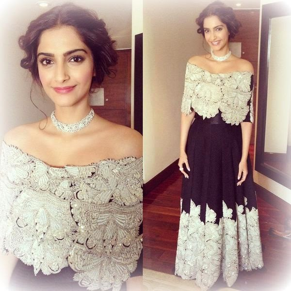 Sonam Kapoor in Black anamika khanna outfit, sonam in anamika khanna couture, anamika khanna outfit