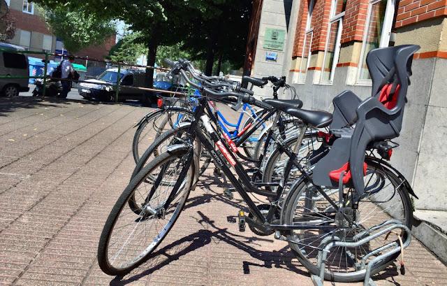 El servicio municipal de préstamo gratuito de bicis mantiene horarios y puntos de recogida
