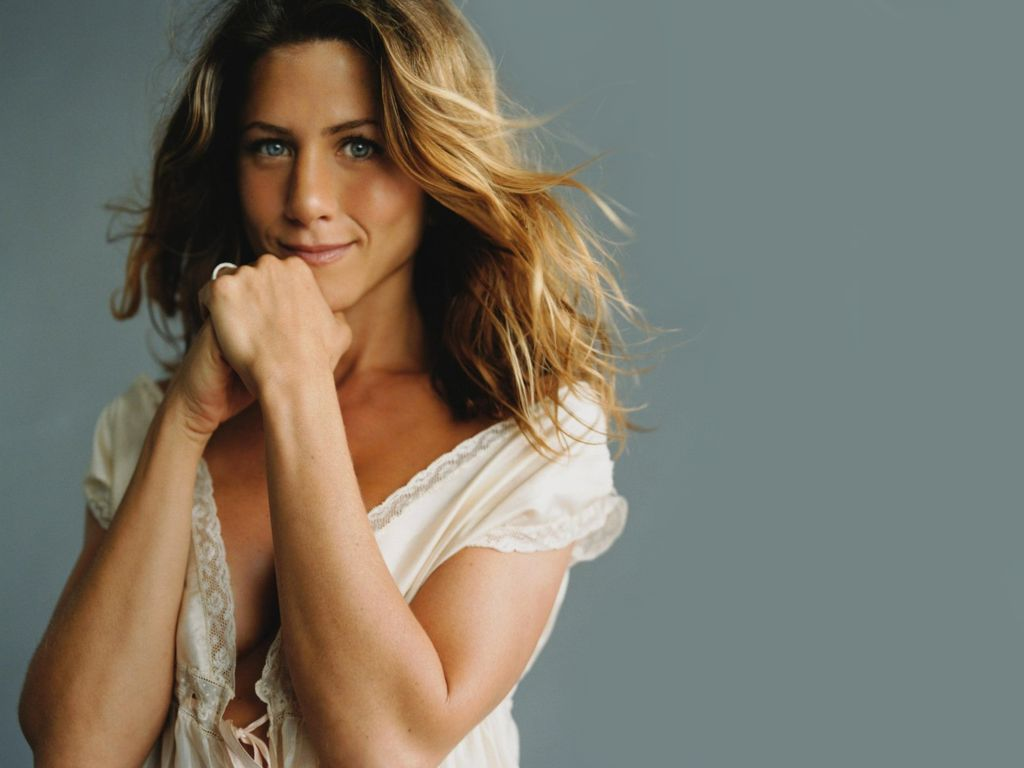 Jennifer Aniston: Hollywood Trendy: Jennifer Aniston Style
