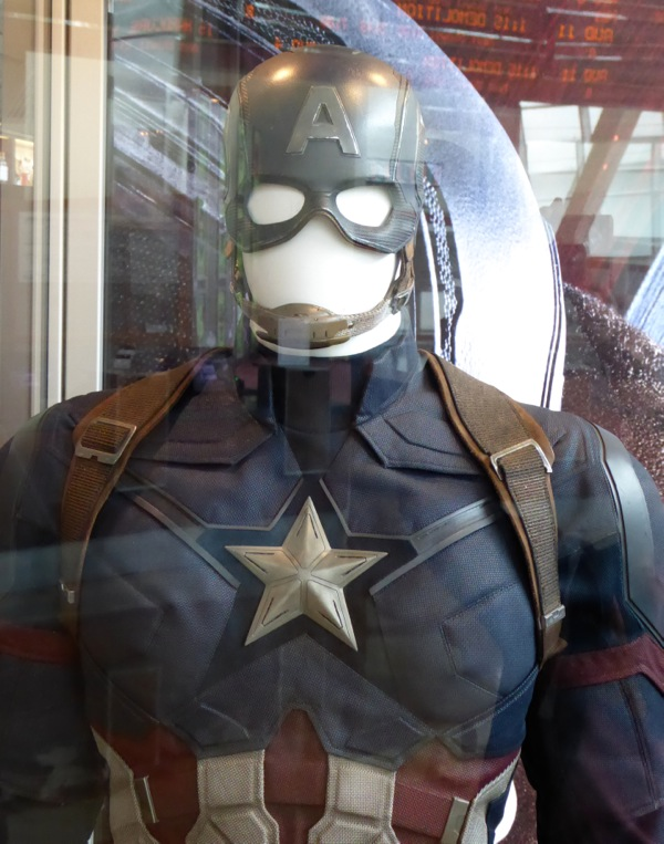 Captain America Civil War uniform detail