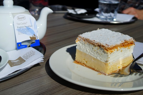 slovénie spécialités culinaires dessert Kremšnita bled