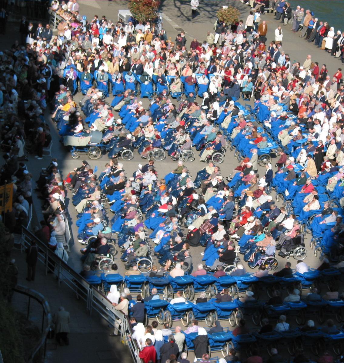 Em Lourdes, os milagres não cessam