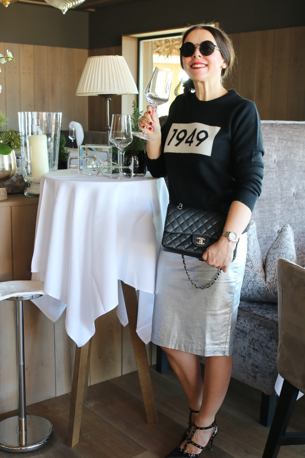 Outfit Gant 1949, silver midi skirt