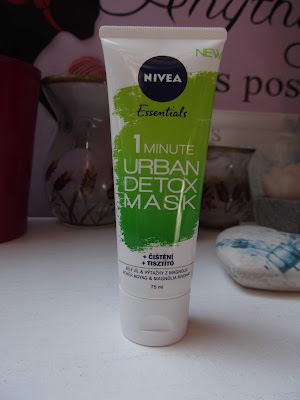 NIVEA ESSENTIALS 1 MINUTE URBAN DETOX MAS