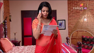 Jigyasa Singh from Thapki Pyaar Ki in Orange Transparent Saree (10).jpg