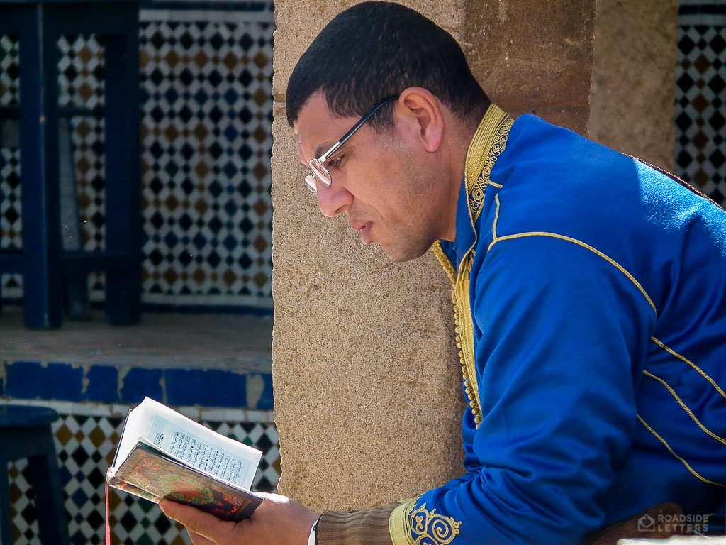 Man reading Quran in Marocco