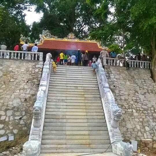 Hình Ảnh Đường Lên Đền Choong