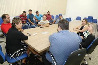 http://vnoticia.com.br/noticia/2454-francimara-se-reune-com-taxistas-de-sfi-e-vai-propor-termo-de-cooperacao-com-campos
