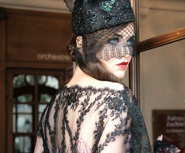 FANNY LIAUTARD créatrice de robes de mariée et de soirée