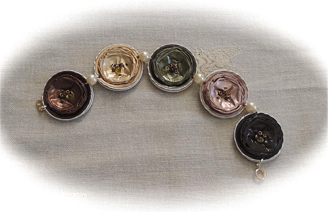 """Exceptionnel FRANCINE BRICOLE : Bracelets """"capsules nespresso"""" à 5 fleurs PI55"""