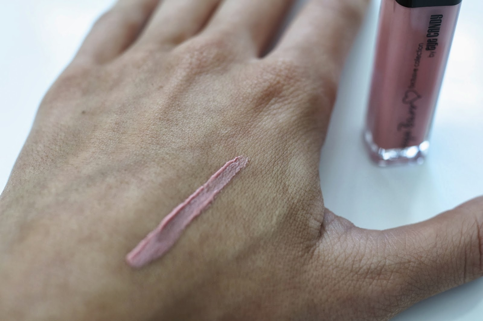 tanya burr lipgloss just peachy swatch