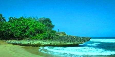Pantai Taman Ayu pantai taman ayu malang