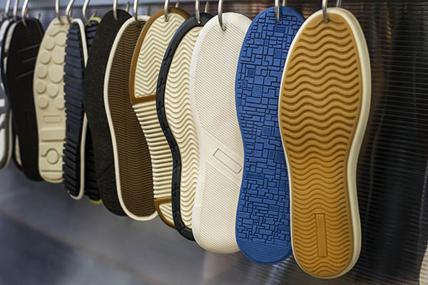 moda-brasileña-apuesta-creativo-estetico-Insumos-tendencias-calzado
