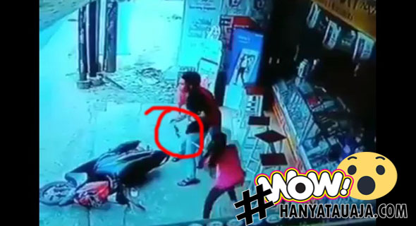 Video Pencuri HP Kena Pukul Sama Mbak Cantik Bagian Itunya, Sayang Mbaknya Pukulnya Pelan Banget?
