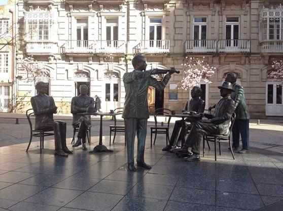 Café Moderno, Carlos Casares, Paz Andrade, Bóveda, Castelao, Cabanillas y Manuel Quiroga