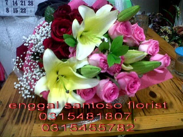 toko online rangkaian karangan bunga tangan dan hand bouquet surabaya