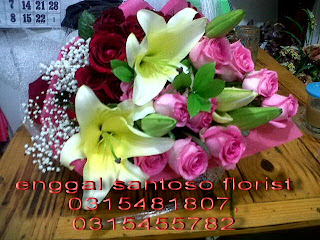 harga rangkaian bunga tangan special