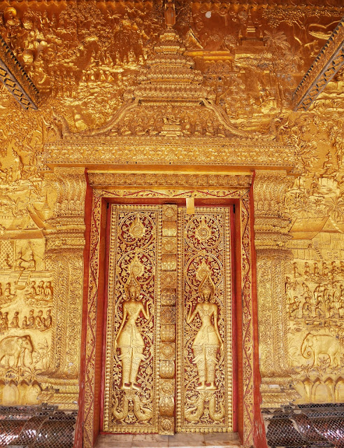 golden door at Wat Mai