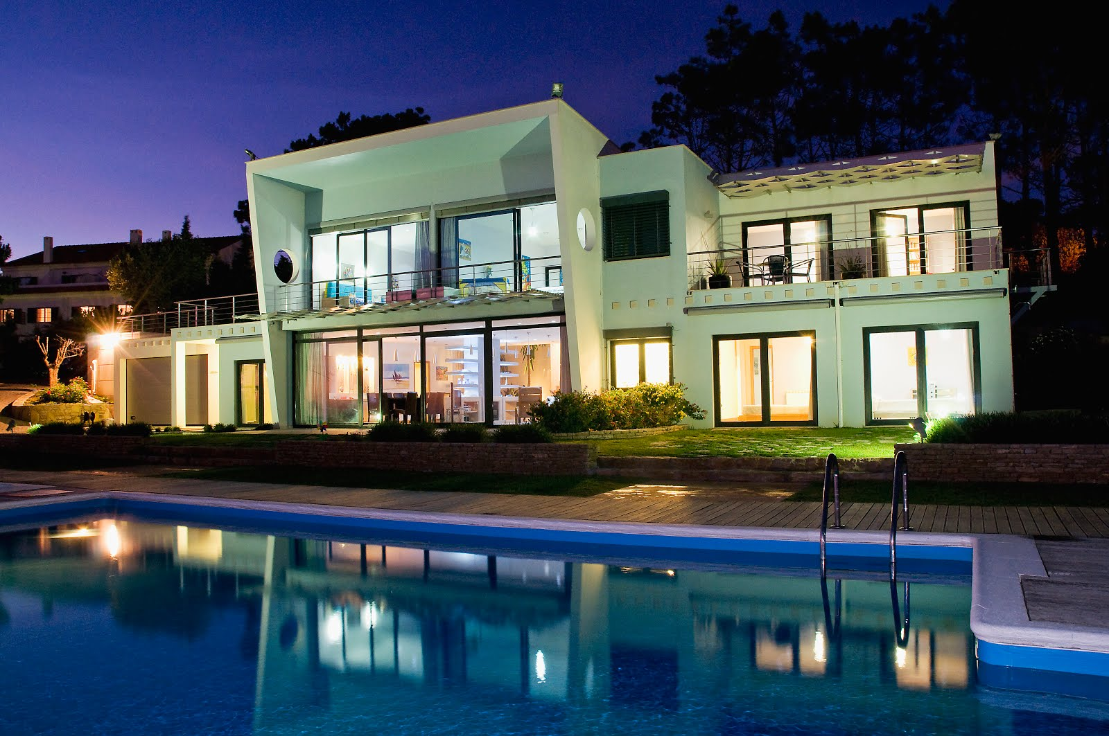 Click on photos to visit the fantastic Villa for holiday rentals, Casa do Lago